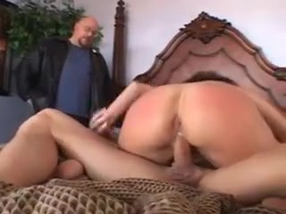 Horny dark haired wifey Is longing For A stiff dinky And A Deep nailing