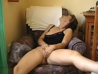 Naughty cougar Getting Her cunny well-prepped For salami