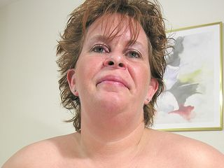 Ample mature doll knows how to please herself