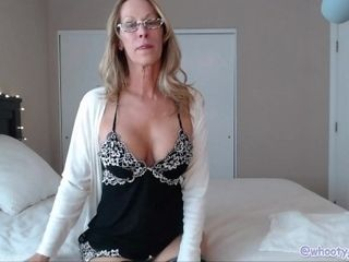 Jaw-dropping cougar taunting