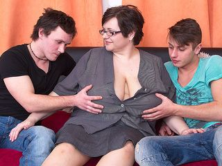 Immense breasted plus-size romping 2 toy folks at once