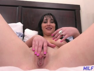 Cougar excursion - cougar Allesandra Snow strokes and then deep throats manhood - Part 1