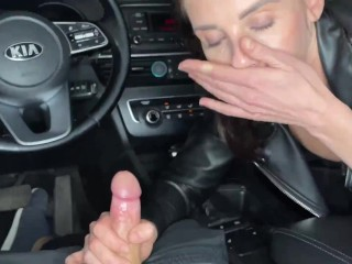 'Double bj from big-boobed cougar in leather'
