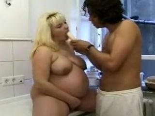 Foreigner kitchenette, BBW despondent motion picture