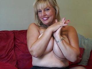 Ultra-kinky mommy Danielle wants your knob