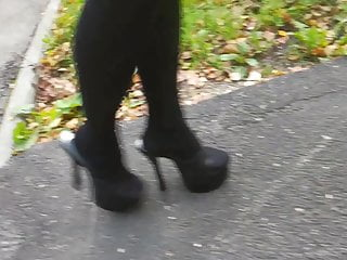 Gal L ambling with ebony mules.
