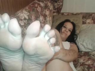 Dirty stinkin' soles breezy