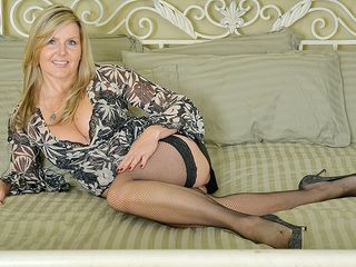 Stunning Canadian milf demonstrates her crotch and jerks