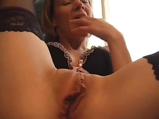 Super-steamy cougar Tiffanyt plays with herself