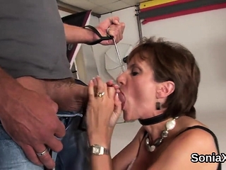Unfaithful brit mature female sonia reveals her meaty all-natural