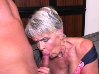 Scorching cougar deep throat and popsscorching