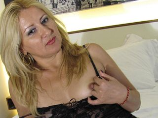 Super-naughty light-haired mama frolicking with herself