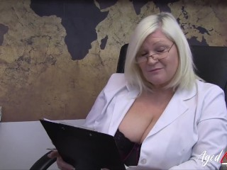 'AGEDLOVE supah supah-fucking-hot platinum-blonde mature lured convenient fellow for herself'
