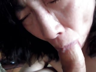Chinese MILF Gagging in the sky BWC