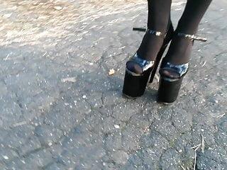 Nymph L ambling with 20cm extraordinary high stilettos