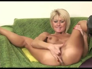 Super-steamy grind cougar Cathy E Solo joy
