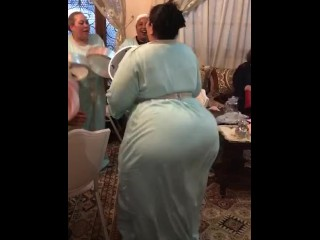 Arab beamy irritant dance