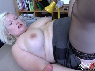 First-timer ebony stud gets truly insane while licking gash of lush super-bitch